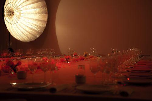 Foto general del menaje de la mesa
