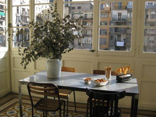 Foto de una mesa en Archrimboldi con referencias de Ànima catering en SS 2012 Bershka by Ànima catering