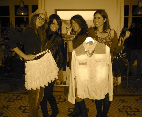 Foto de las bloggers en el Showrrom de Bershka