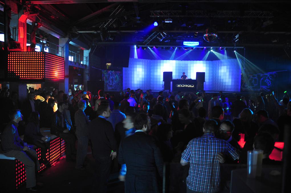 La Sala principal con DJ
