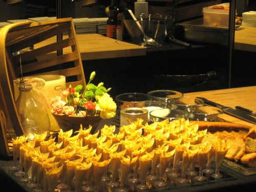 Conos de patatas en el Buffet de Steak Tartar