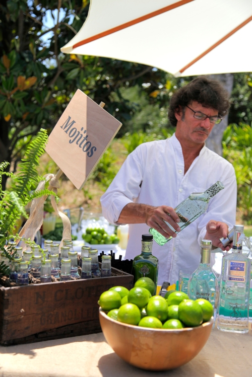 Carles Bonnin als còtctails boda by Ànima catering