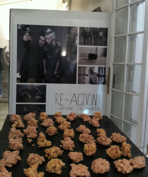 Rocas de chocolate blanco con Peta Zeta en el Showroom de Bershka by Ànima catering