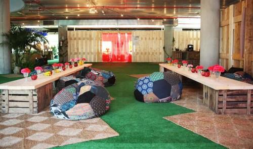 Sala Desigual en evento by Ànima catering