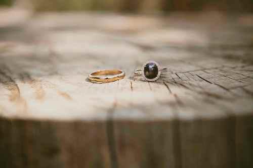 Los anillos, preciosos.