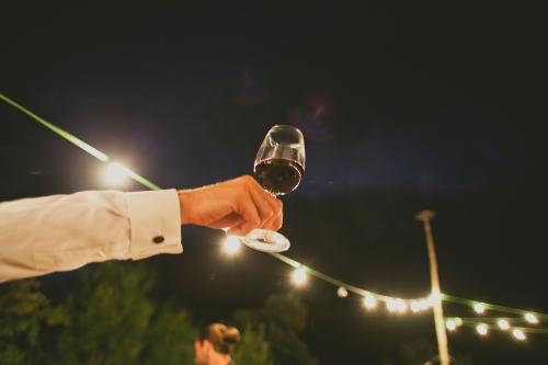 Brindis en una boda Ànima catering