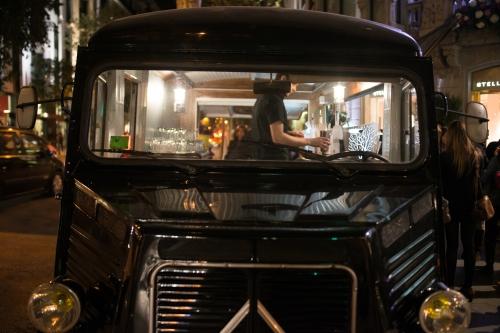 Foto de un antiguo camión Citroën donde se servía la bebida